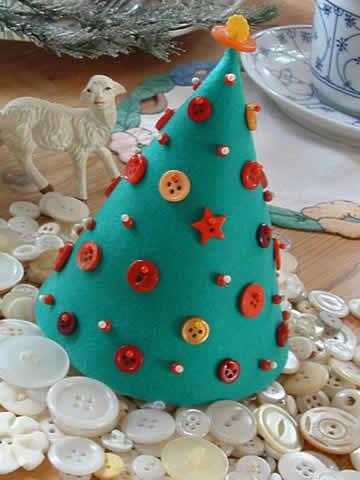 Mini Árvore de natal cone de botões