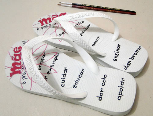 pintura em chinelos