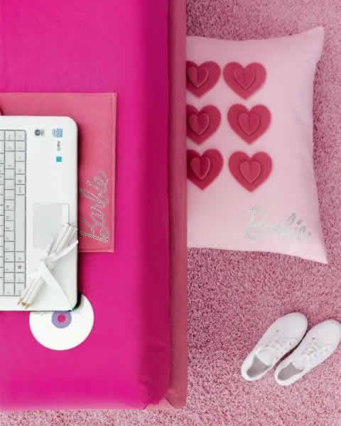 Almofada para pés e suporte de notebook estilo Barbie
