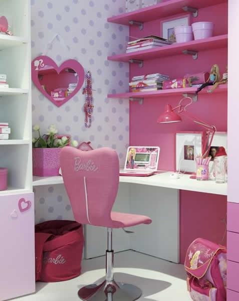 Quartos de estudos da Barbie decorado