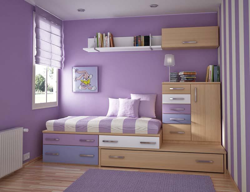 Quarto pequeno decorado, cor lilas bem organizado
