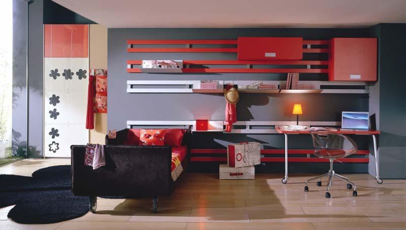 Quarto decorado, ambiente reciclado, cor vermelha.