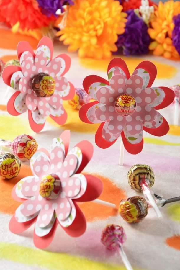 lembrancinha-com-pirulito-flores-papel4