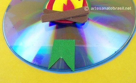 5.convite-festa-junina-com-reciclagem-de-cd