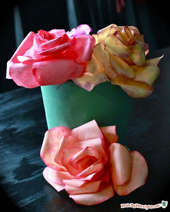como fazer flores de filtro de cafe