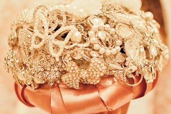 Faça Você Mesma seu Próprio Buquê de Noiva em Casa