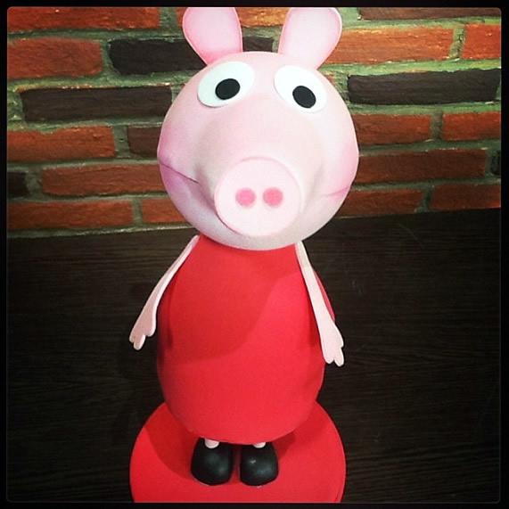 Boneca Peppa Pig em EVA