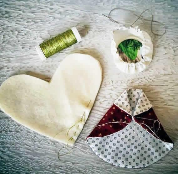 2.anjo-com-retalhos-tecido-enfeites-arvore-de-natal