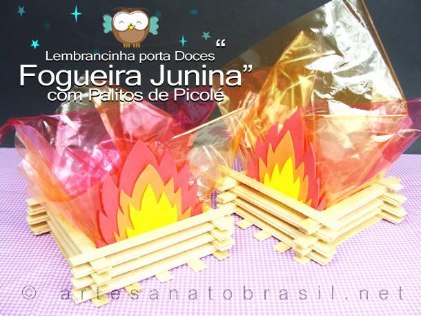 Fogueira Junina com Palitos de Picolé