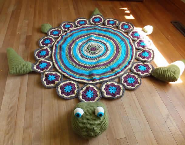 tapete-com-barbante-tartaruga-azul-verde