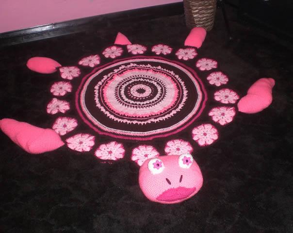 tapete-com-barbante-tartaruga-rosa2