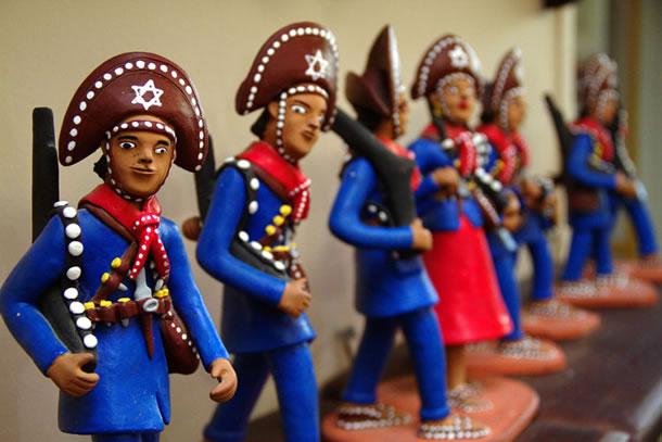 Tipos de Artesanato Brasileiro: Bonecos de Barro