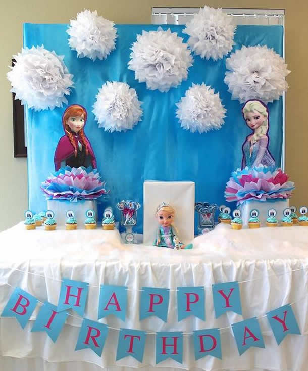 festa-frozen-decoracao-pompom