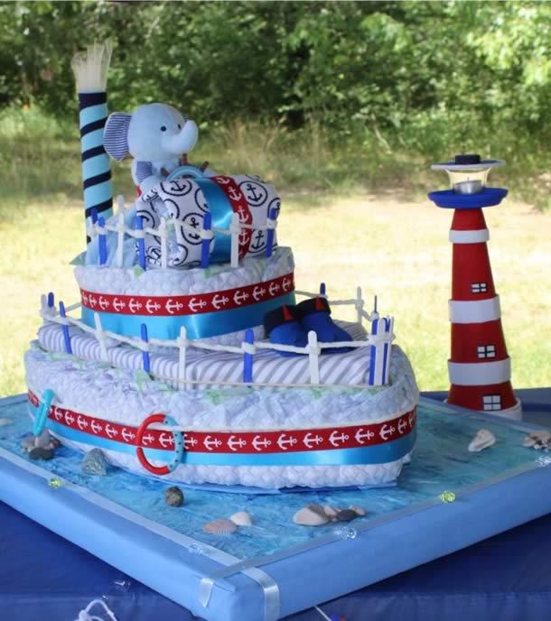 bolo-de-fraldas-azul-navio
