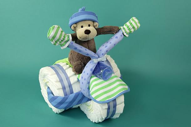 bolo-de-fraldas-azul-triciclo