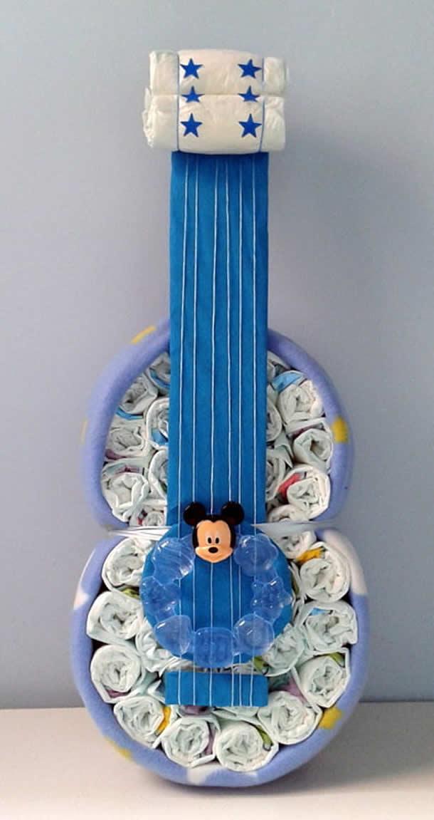 bolo-de-fraldas-azul-violao