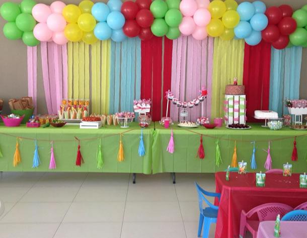 cortina-de-papel-crepom-festa-infantil