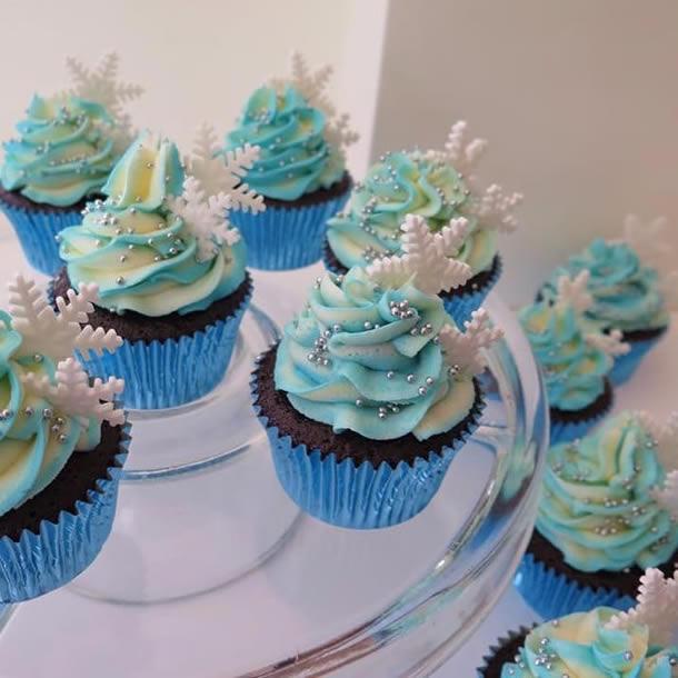 cupcake-frozen-bolinhas-prata