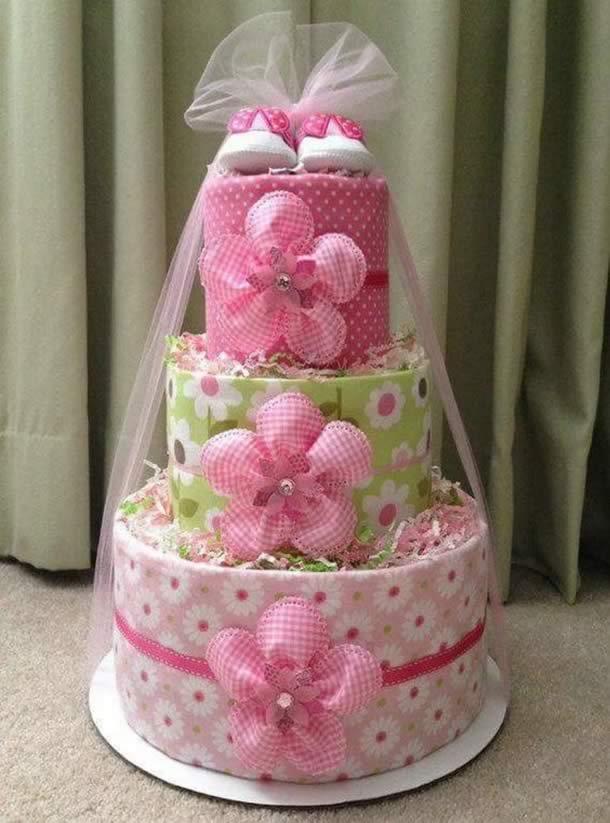bolo-de-fraldas-rosa-flores