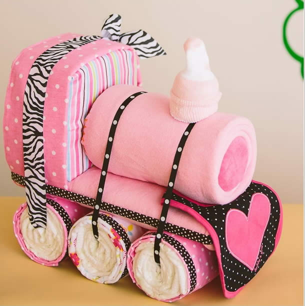 bolo-de-fraldas-rosa-trenzinho