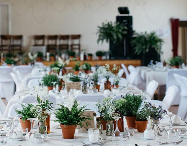 centro-de-mesa-para-casamento-vasos-barro