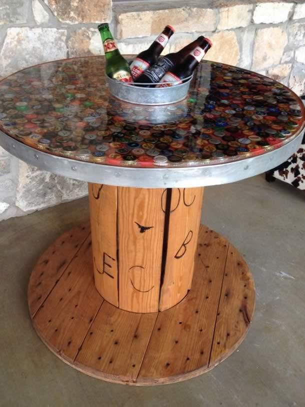 artesanatos-com-tampinhas-mesa2
