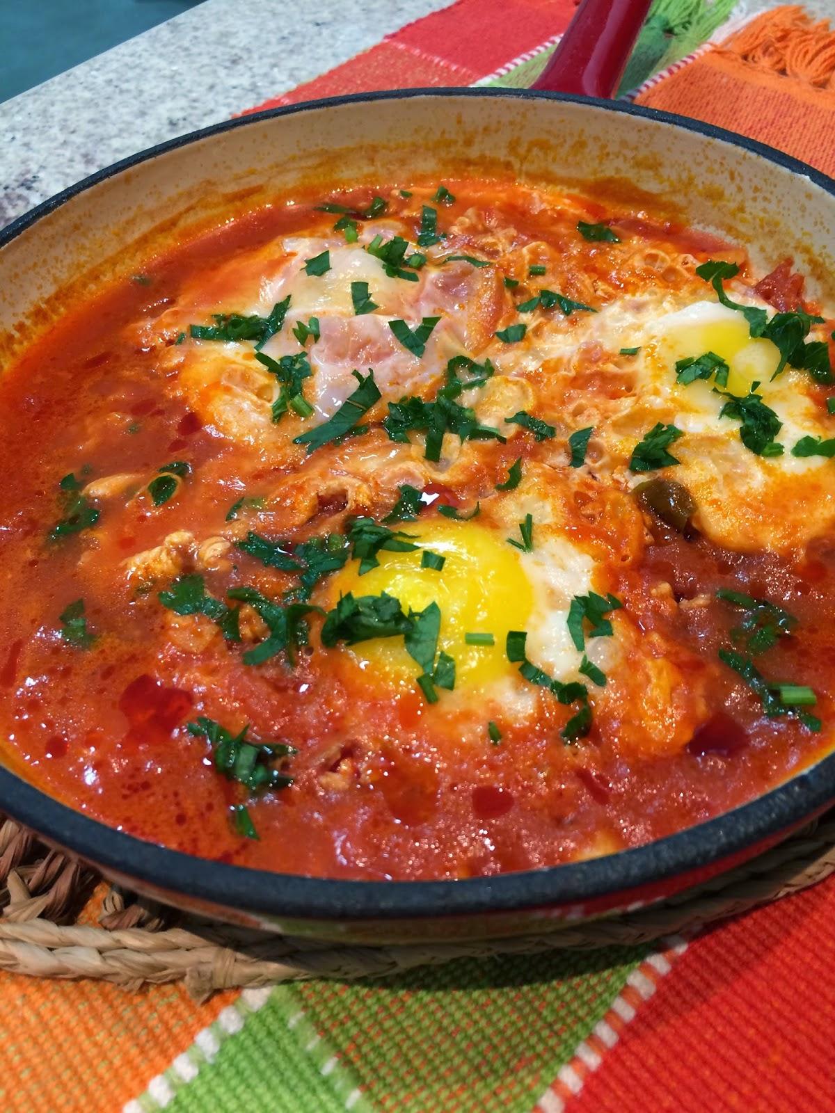 Ovos Escalfados no Molho de Tomate!!!!