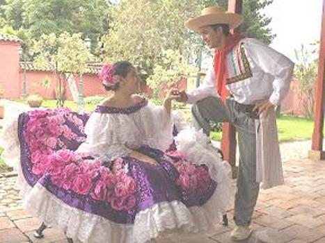 Traje Tipico San Juanero