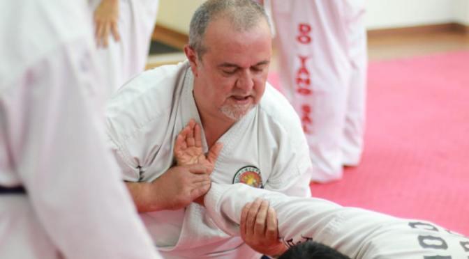 Realizar artes marciales después de los 40