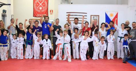 artes marciales en barcelona FAMILY CLASS.jpg