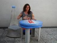 Flaschen Stuhl und Flaschen Schraubverschluss Tisch