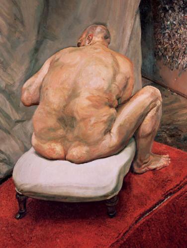 Uomo nudo visto da dietro
