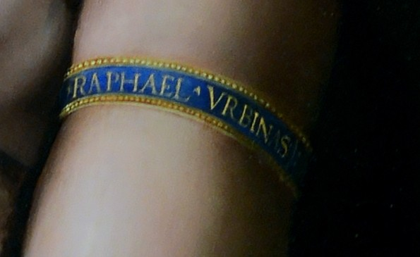 La Fornarina Particolare del bracciale Raphael Urbinas firma di Raffaello