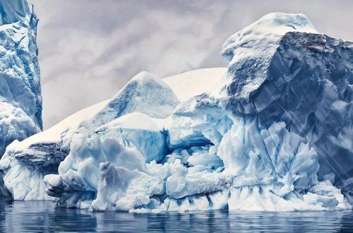 Los etéreos dibujos al pastel que exploran el cambio climático.