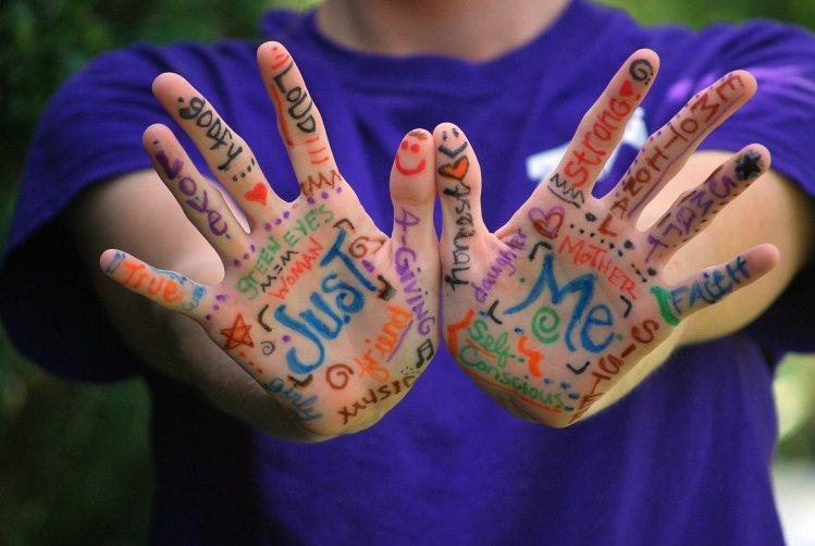 Juguetes educativos para desarrollar la creatividad artística en la niñez.