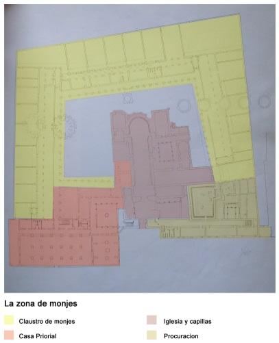 Zonas de los monjes ya restaurada (se señalan en distintos colores los diferentes grupos de estancias). Se pueden visualizar la ubicación de los 5 hornos botella y la gran chimenea). Fuente: https://htca3expo92.wordpress.com/2015/06/28/2-proceso-de-restauracion/, consultada el 14/05/2020)