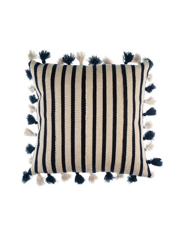Arte y Tejido, Cojín Agra Negro, Agra Cushion Black, Chorrera, Cojín, Cushion, Tejido, Knitted, Crochet, Natural Fibers, Algodón, Cotton, Fibras Naturales, Agra, Black, Negro