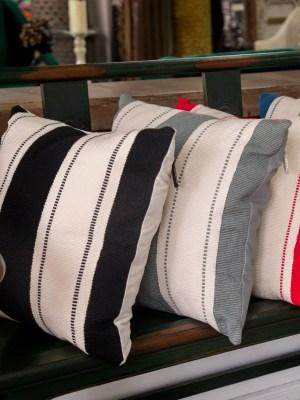 Arte y Tejido, Cojín Mumbai, Mumbai Cushion, Chorrera, Cojín, Cushion, Tejido, Knitted, Crochet, Natural Fibers, Algodón, Cotton, Fibras Naturales, Mumbai