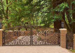 Driveway Gate - Iron Gates 13th Cen France - FDG900