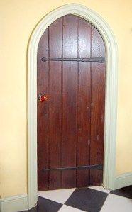 Hand Made Bathroom Door - Castle Nuovo 14th Cen Italy - 1237AT