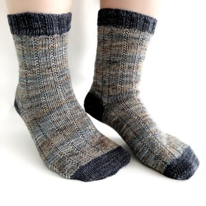 MOJAVE Socks (Free Pattern)