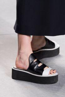 hbz-ss2016-trends-shoes-flatform-tough-girl-fendi-clp-rs16-0374