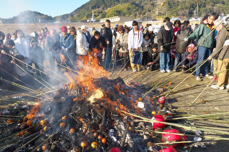 Cara Orang Jepang Menarik Keberuntungan Pada Tahun Baru