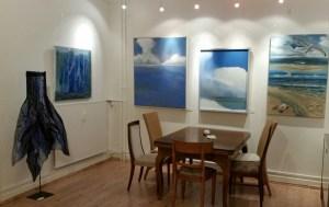 Blaue Ausstellung im Holm 35