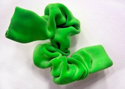 Iryna Pryval, Faltenwurf, Kunststoff, Flock, 2013