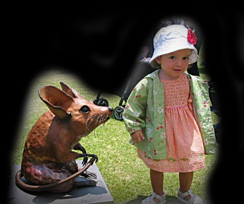 Mouse with little Girl on a show