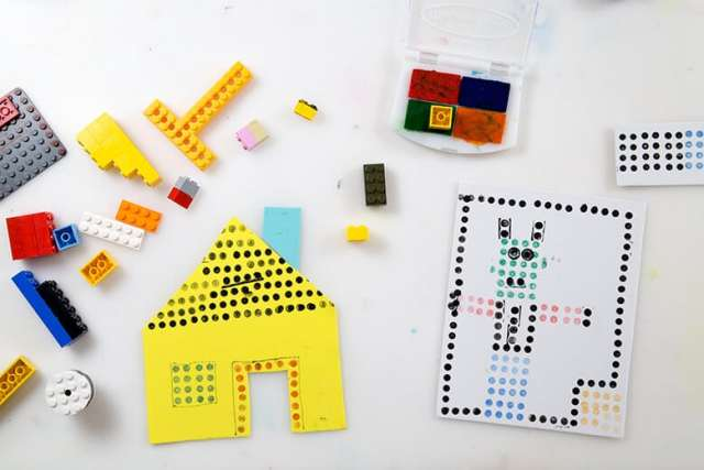 Make LEGO prints of houses & robots with LEGOs & a stamp pad