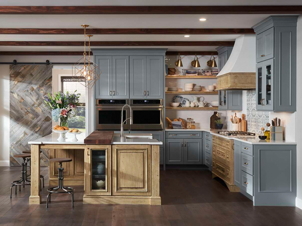 Blue kitchen @medallioncabinetry