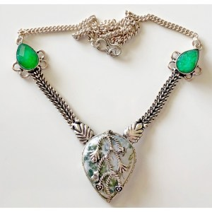 Necklace – Sterling Silver with Agate and Emerald Stones