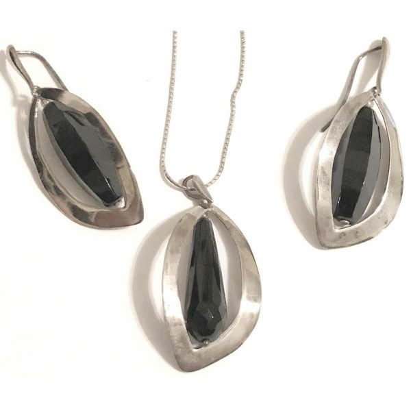 Pendant – Sterling Silver with Onyx